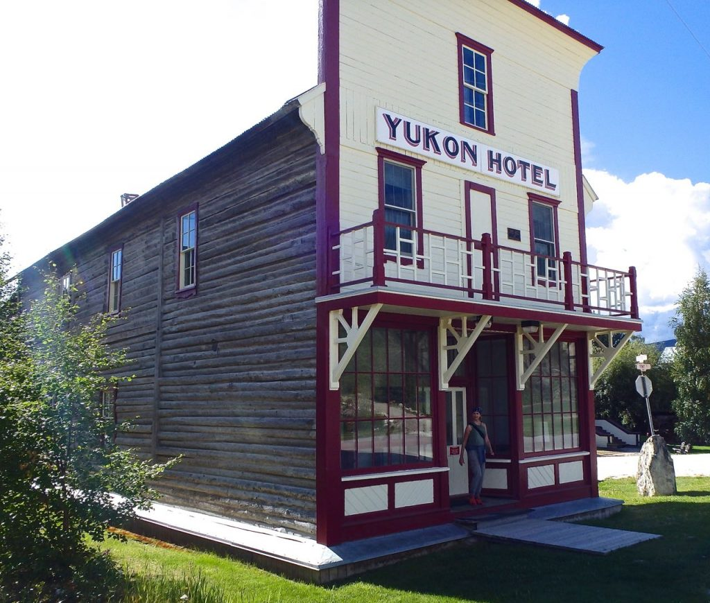 Crazy Klondike! Dawson City, Mix Hart